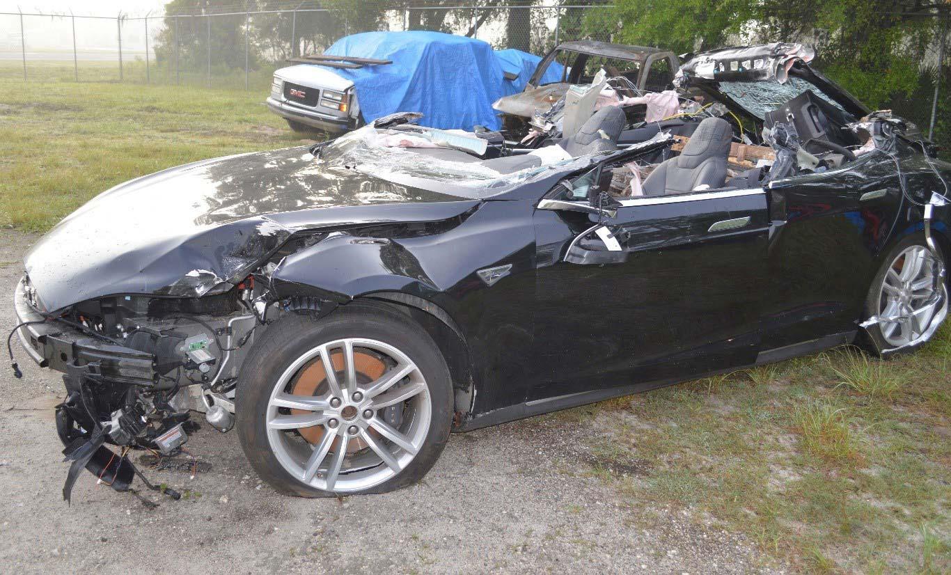 Tesla-Crash-2016-Florida