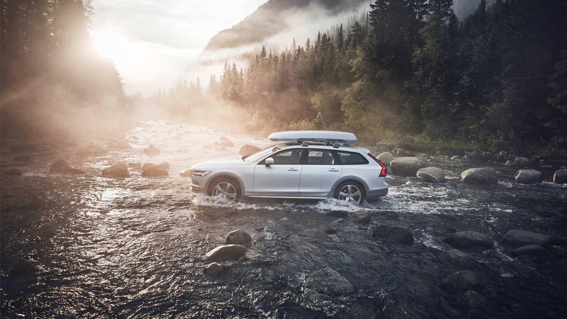 2017-18-Volvo-Ocean-Race-V90-Cross-Country
