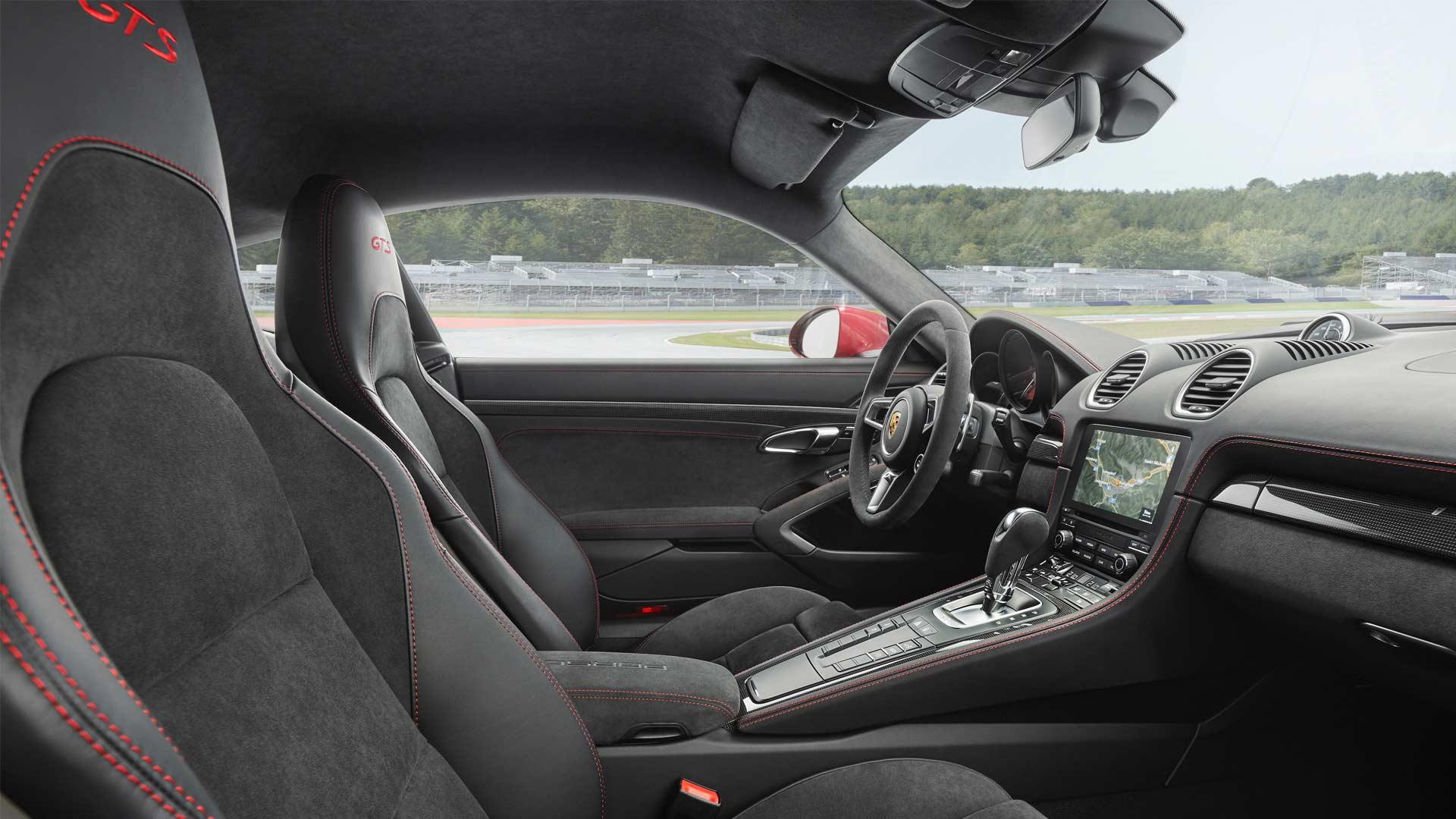 2018-New-Porsche-718-Cayman-GTS-718-Boxster-GTS-interior_2