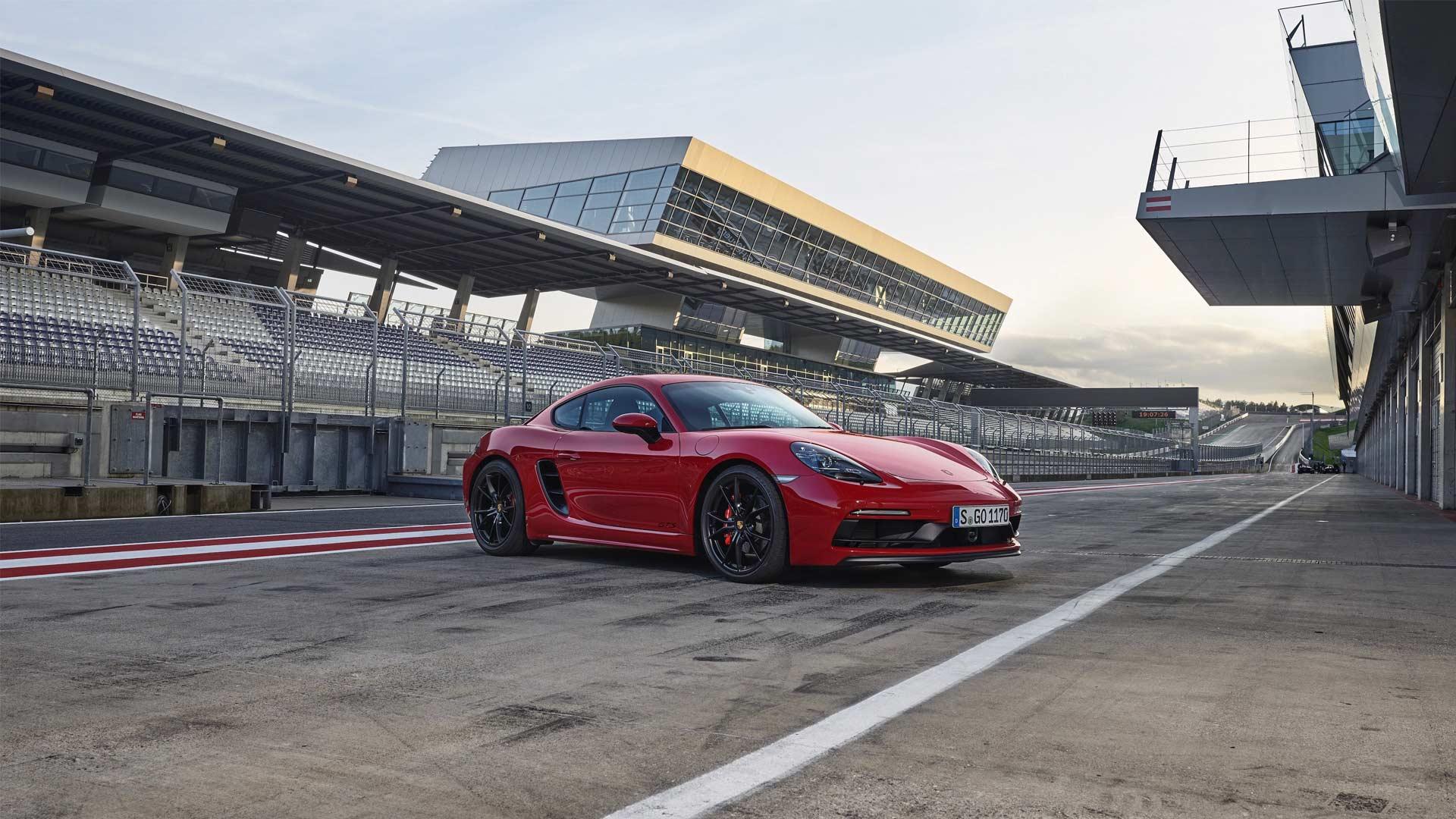 2018-New-Porsche-718-Cayman-GTS