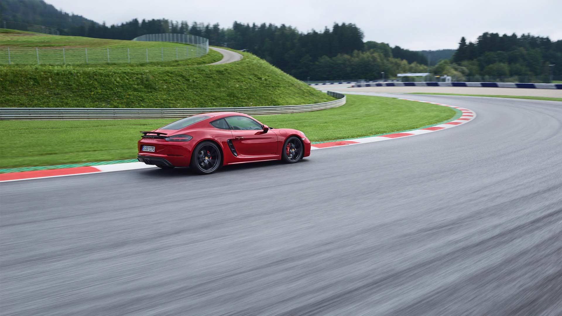 2018-New-Porsche-718-Cayman-GTS_2