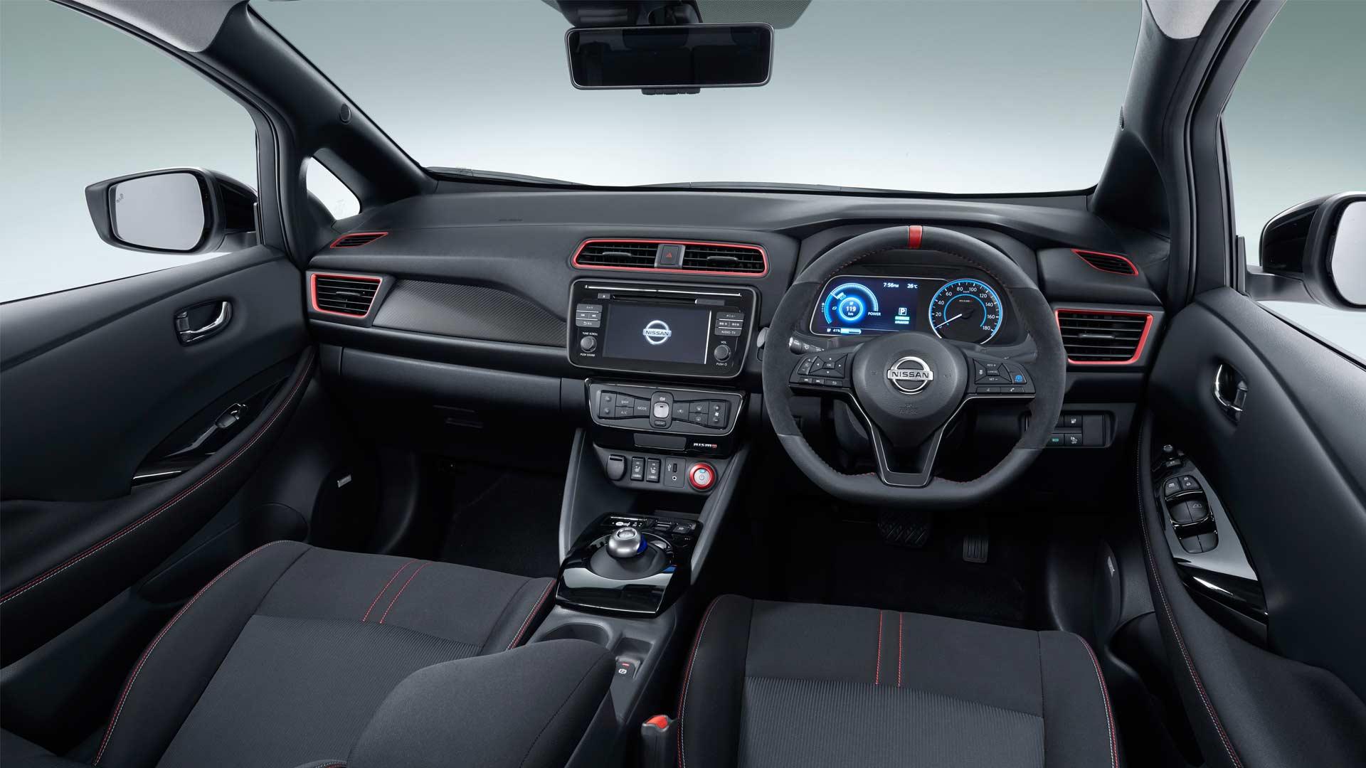 2018-Nissan-Leaf-Nismo-interior