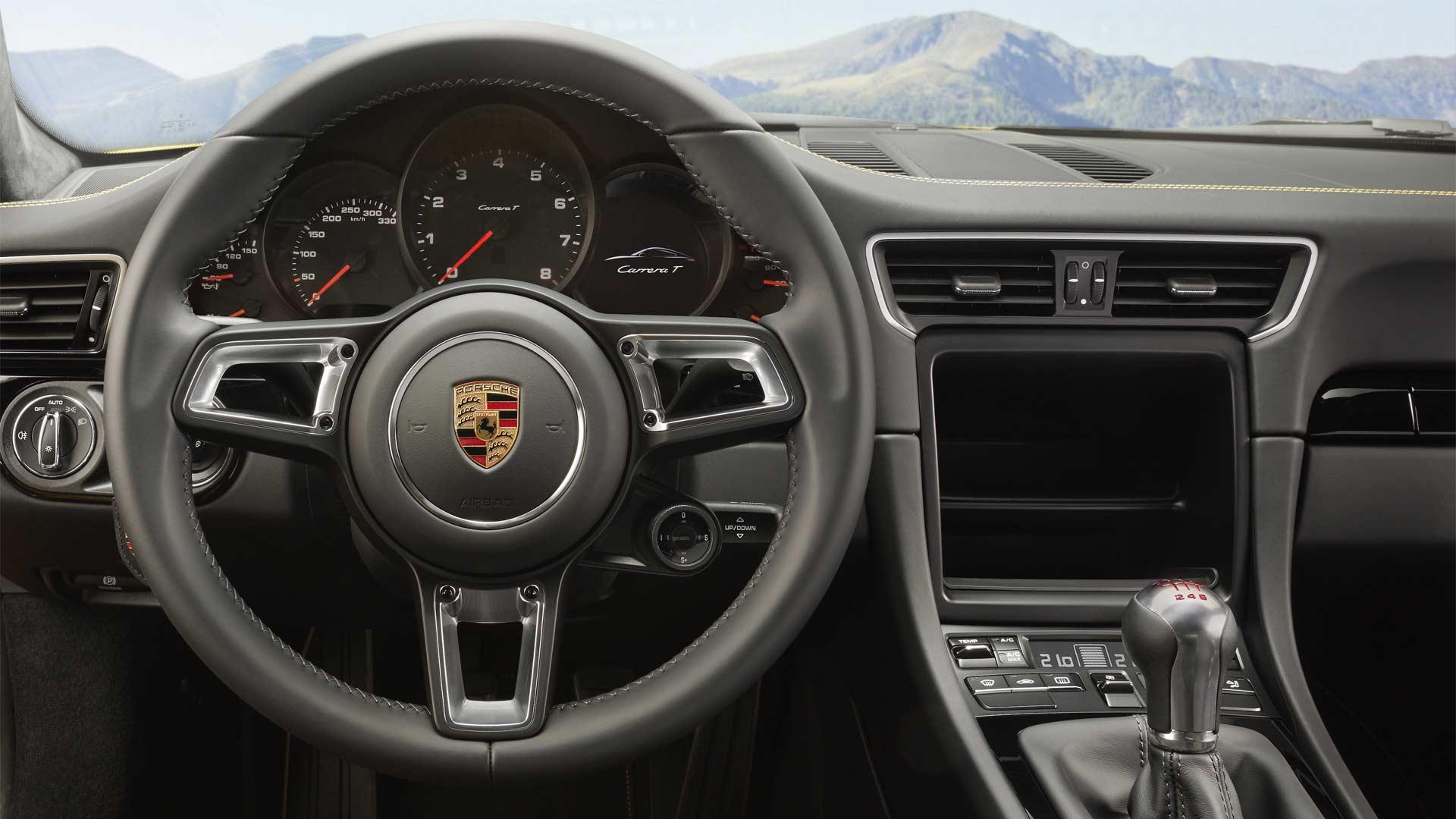 2018-Porsche-Carrera-T-Interior