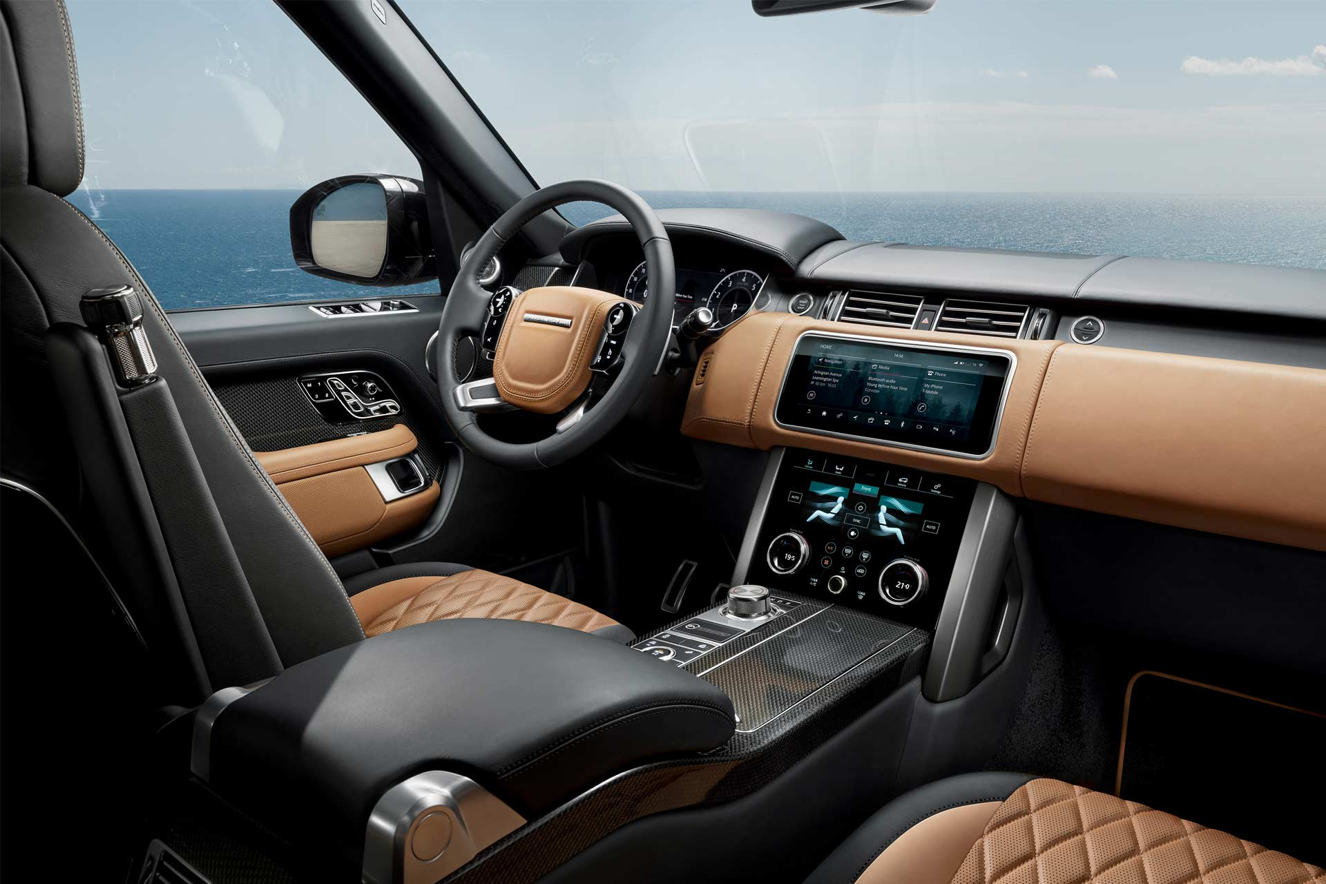 2018 range rover unveiled with p400e plug in hybrid autodevot. Black Bedroom Furniture Sets. Home Design Ideas