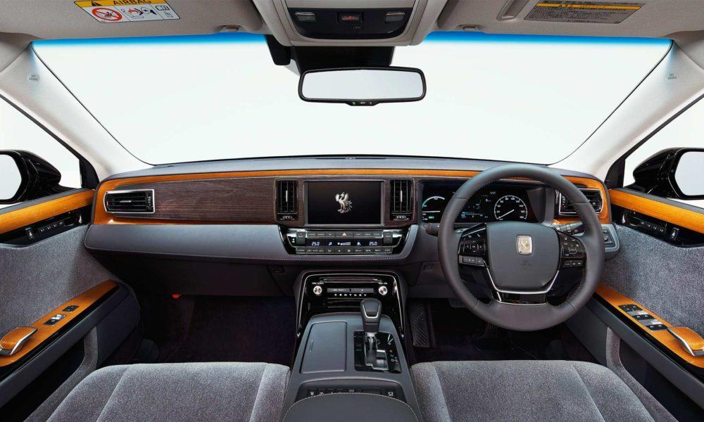 2018-Toyota-Century-interior