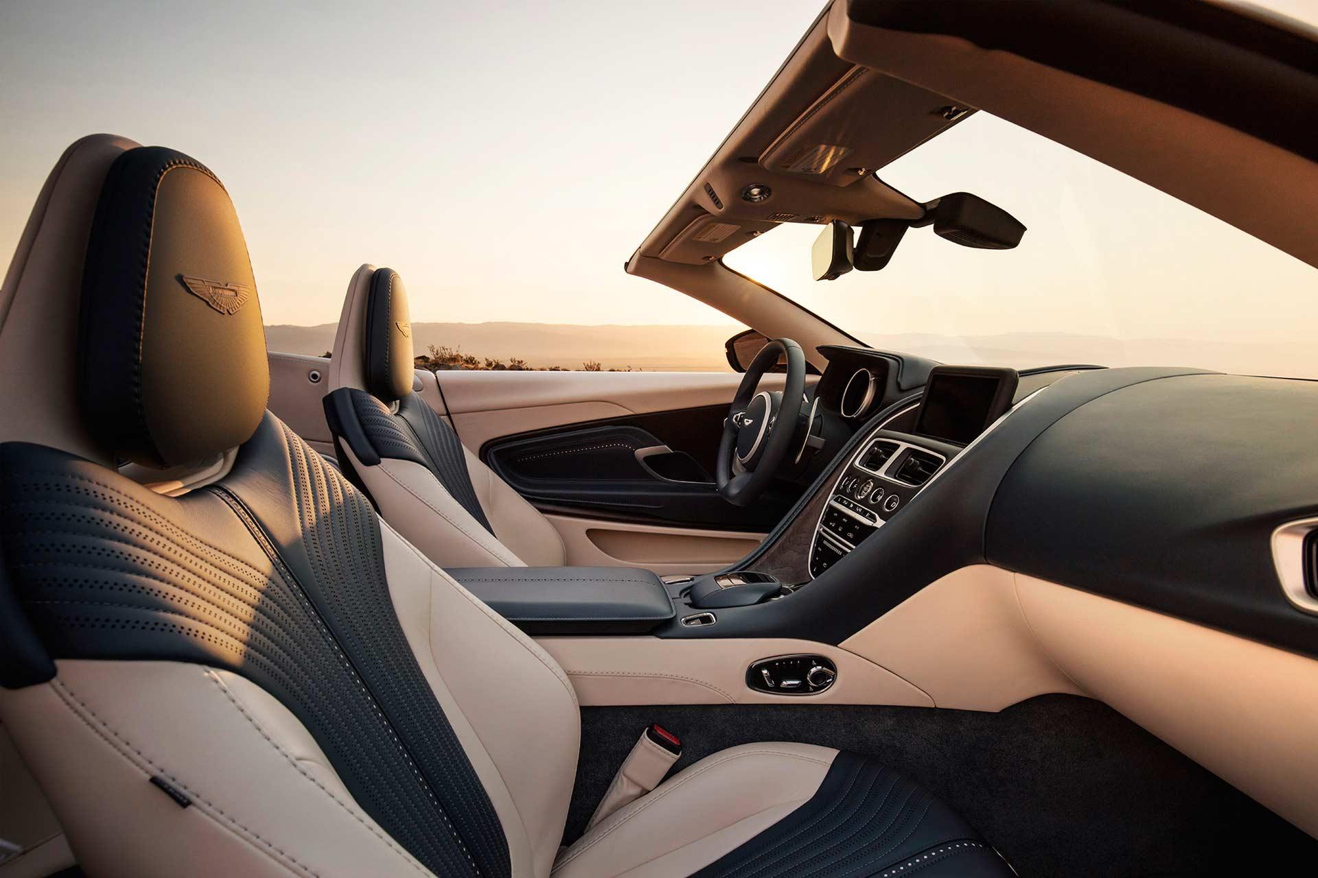 Aston-Martin-DB11-Volante-interior_2