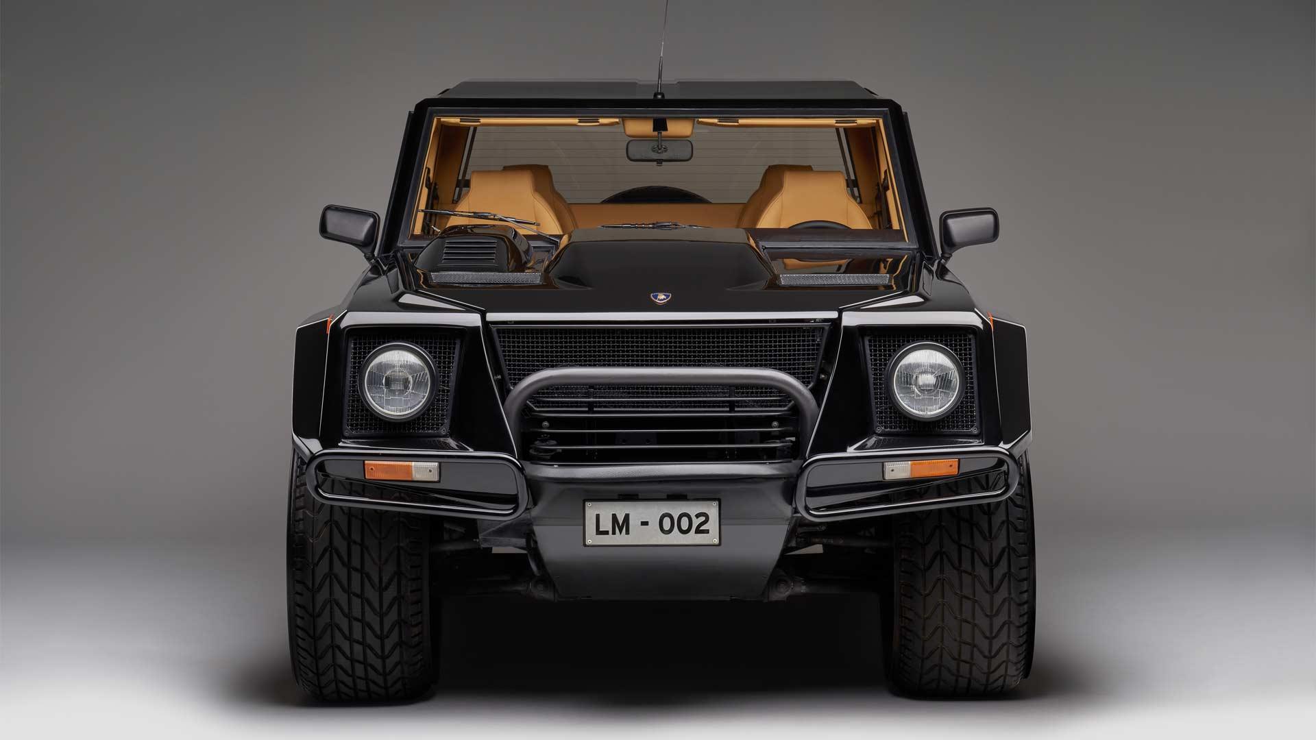 Lamborghini-first-SUV-LM002_2