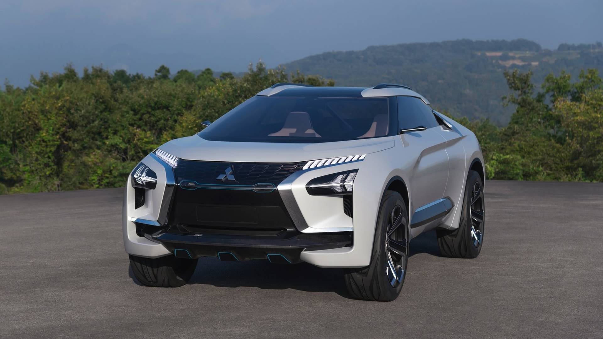 Mitsubishi-e-Evolution-concept_3