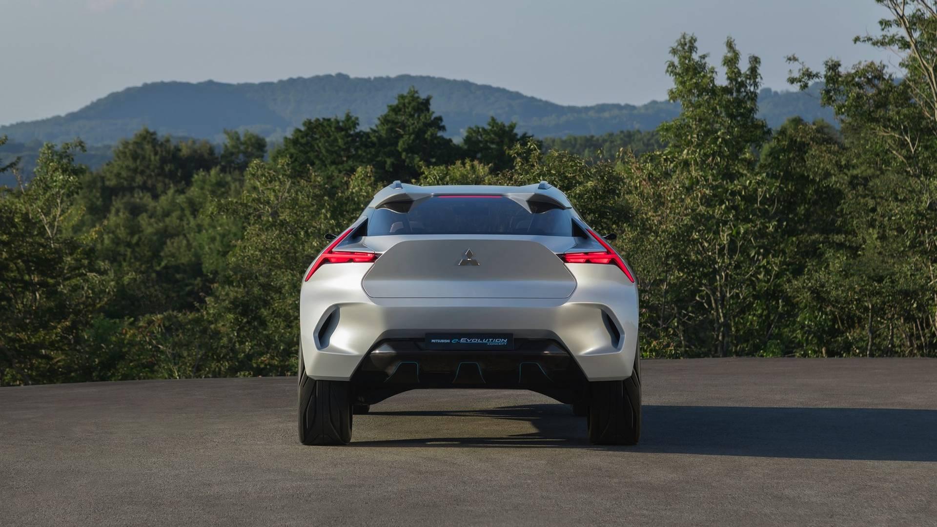 Mitsubishi-e-Evolution-concept_7