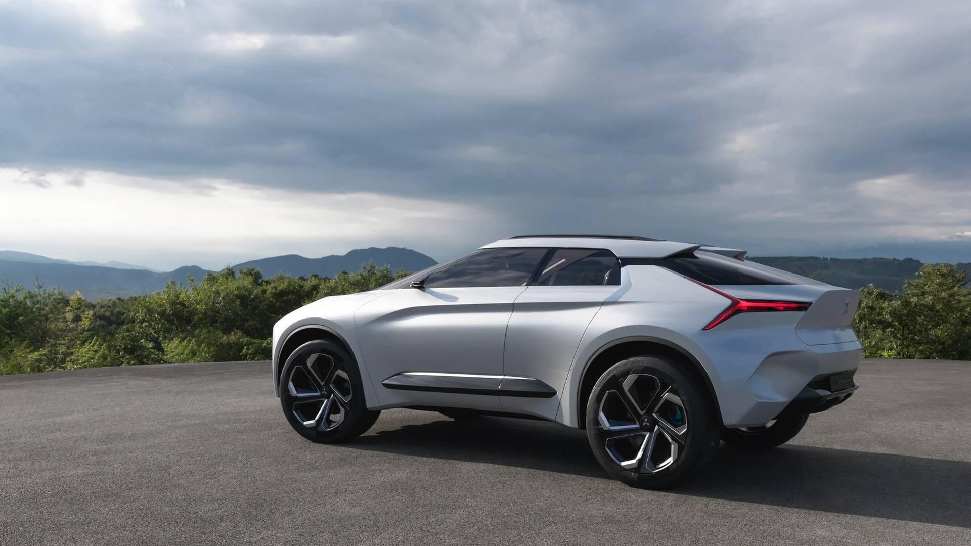 Mitsubishi-e-Evolution-concept_8