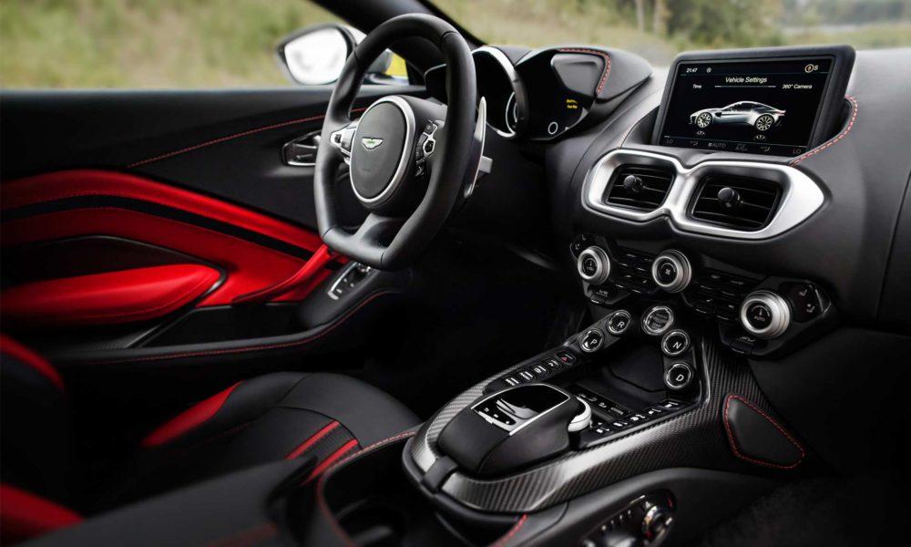 2018-Aston-Martin-Vantage-interior_3
