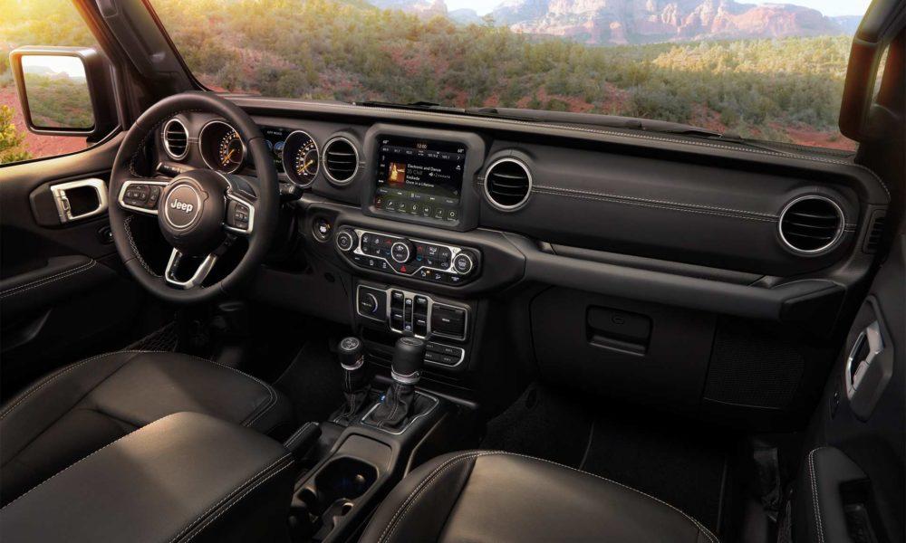2018-Jeep-Wrangler-Sahara-interior