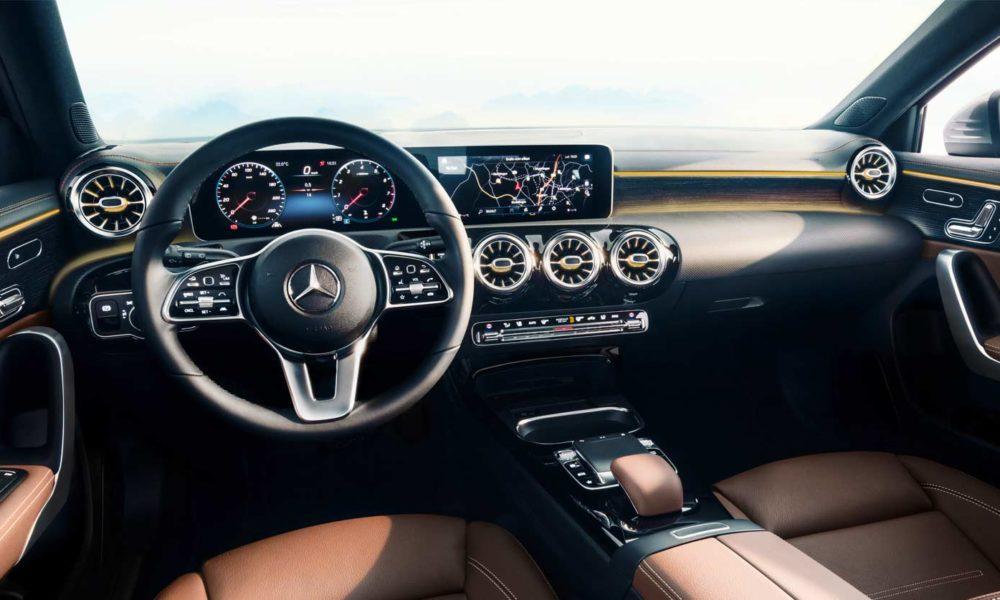 2018-Mercedes-Benz-A-Class-interior_3