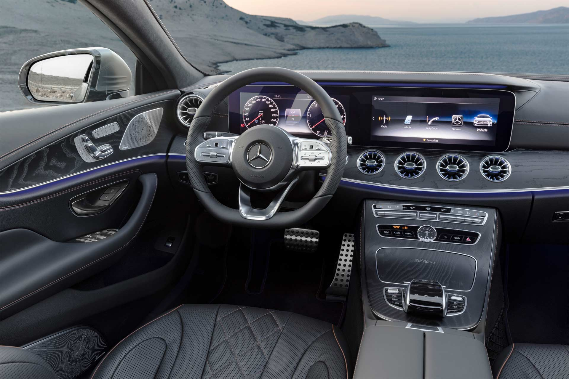 2019-Mercedes-Benz-CLS-interior_3