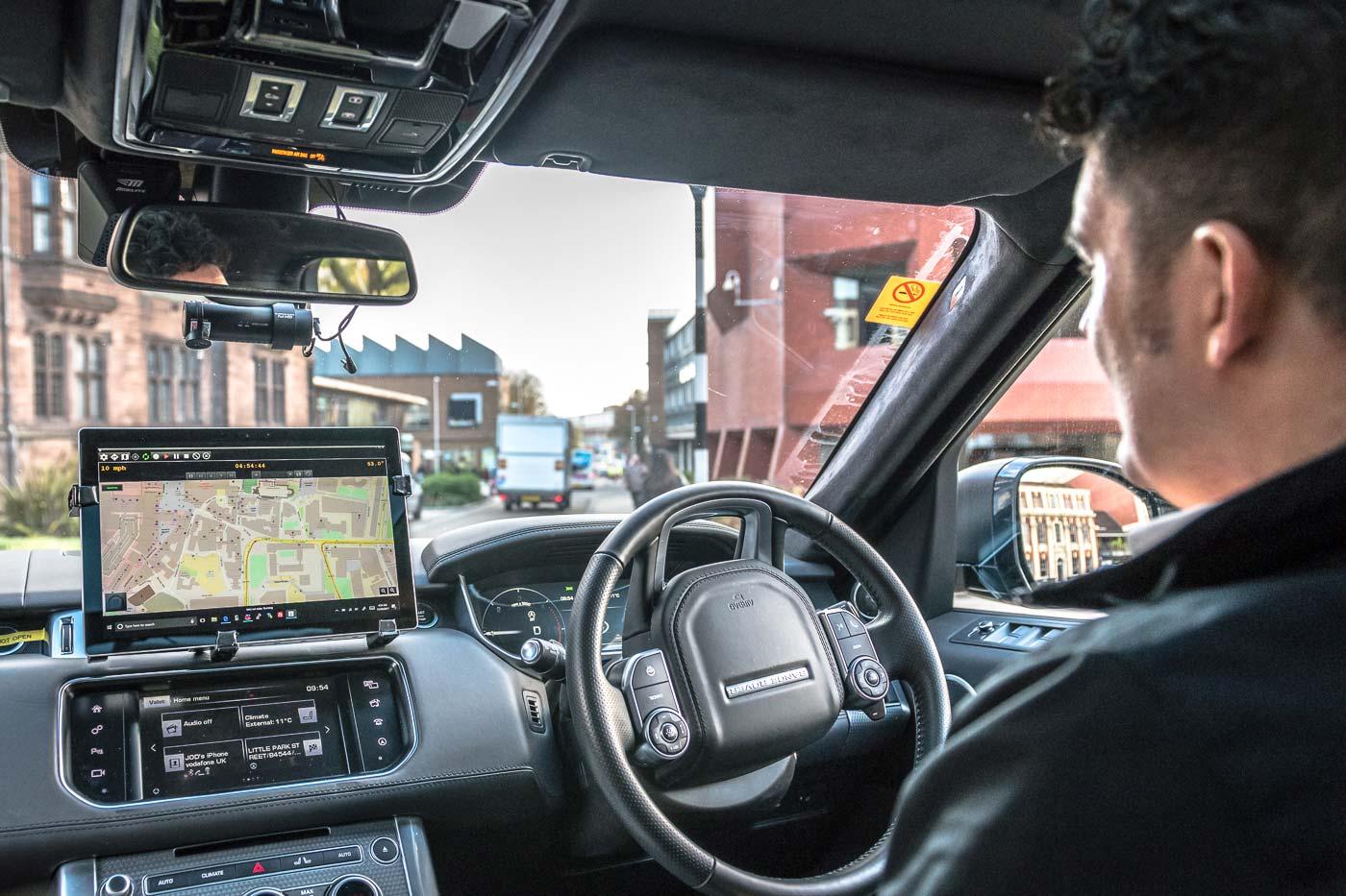 Autonomous-Range-Rover-UK-Autodrive