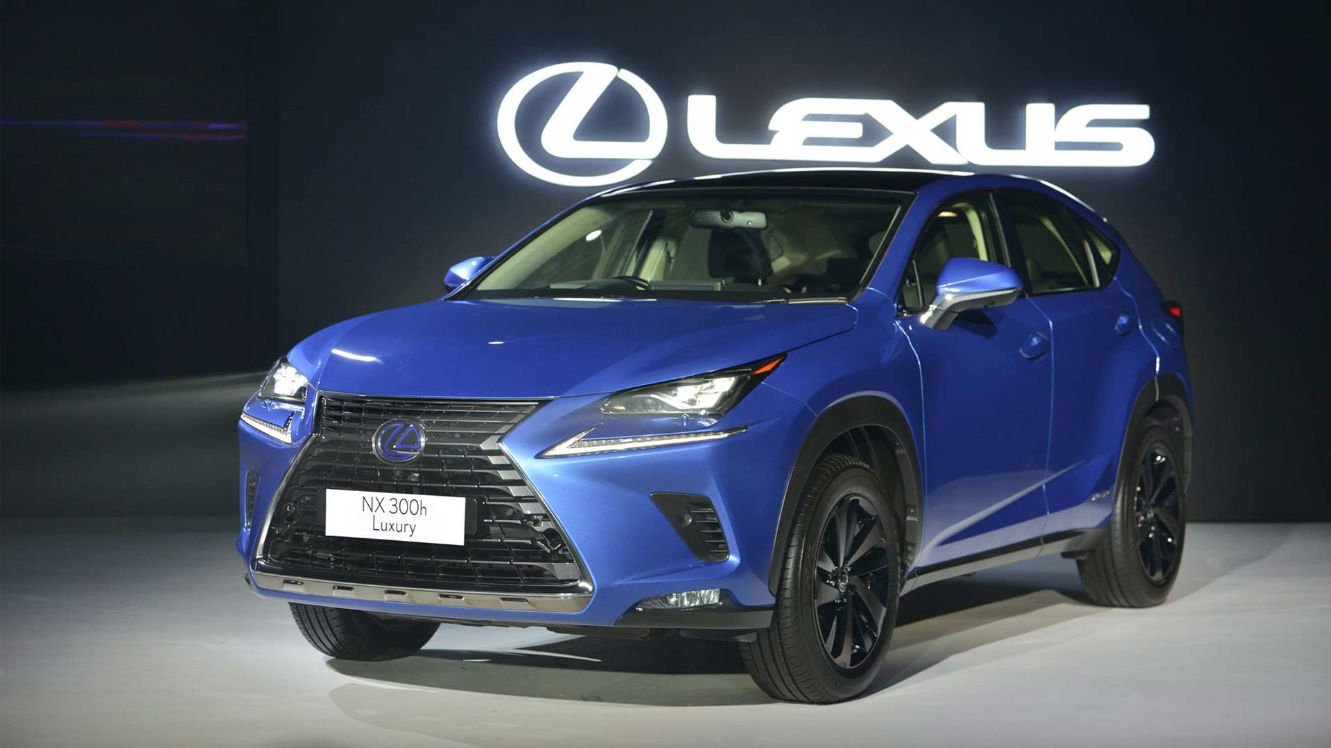 lexus nx 300h showcased for india autodevot. Black Bedroom Furniture Sets. Home Design Ideas