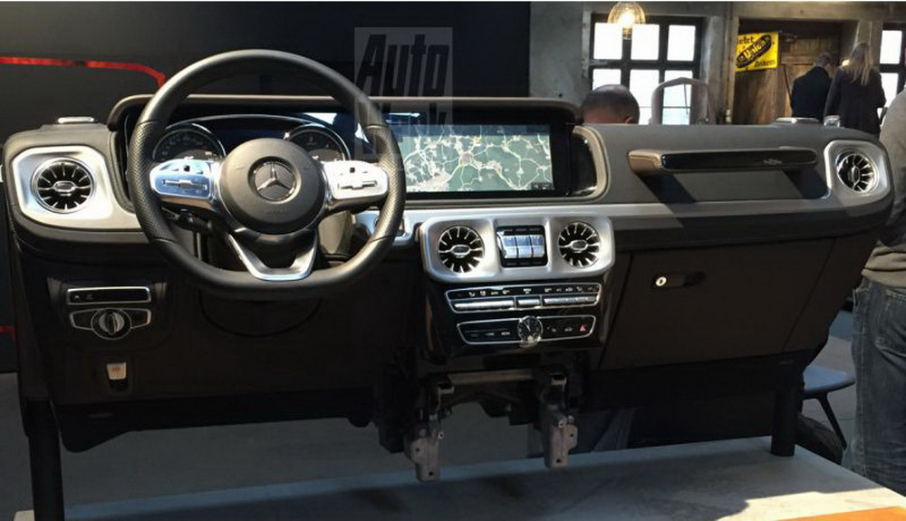 Next-gen-Mercedes-Benz-G-Class-dashboard-leak