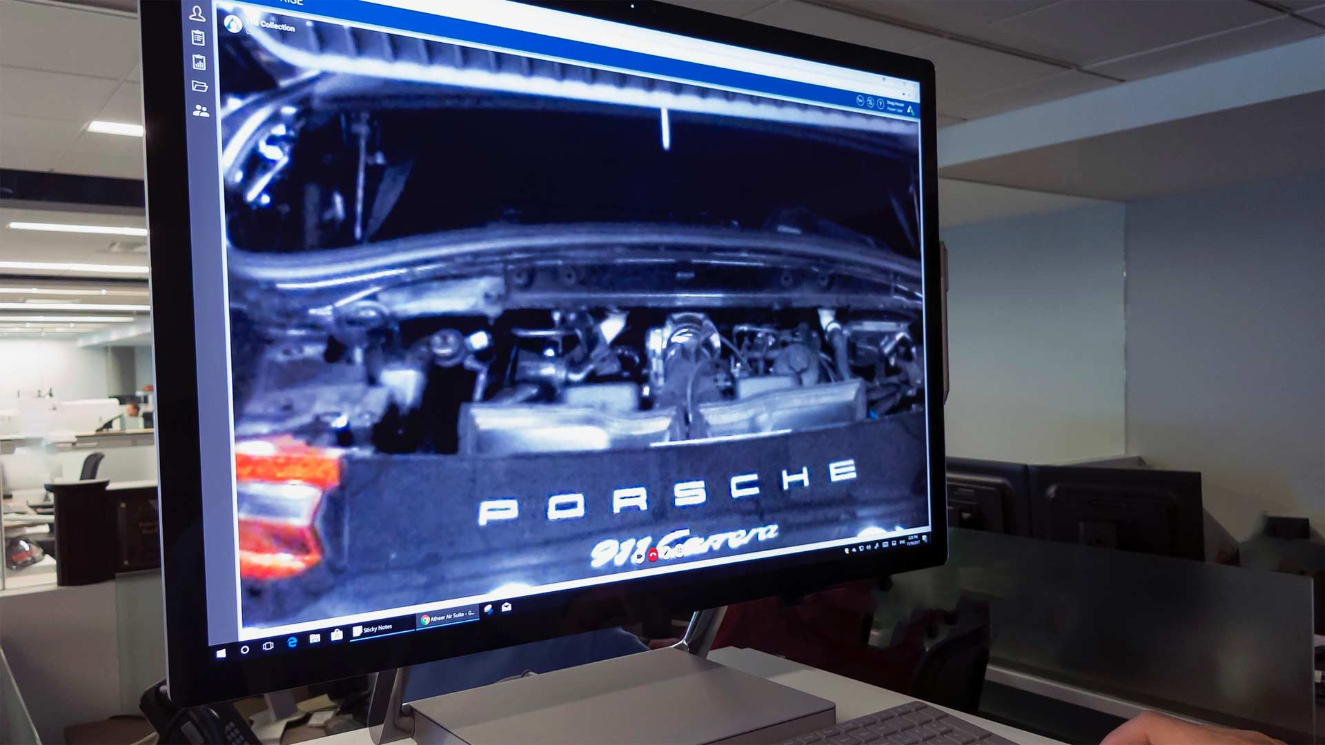 "Porsche-introduces-""Tech-Live-Look""-Augmented-Reality-Smart-Glasses_2"