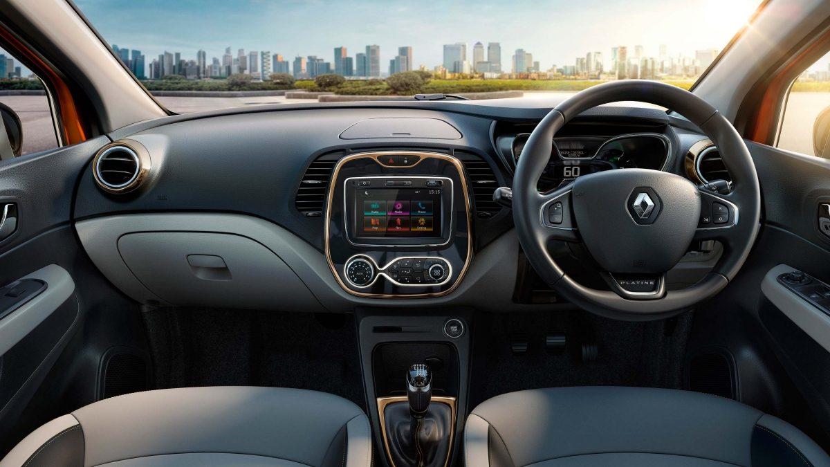 Renault-Captur-India-interior
