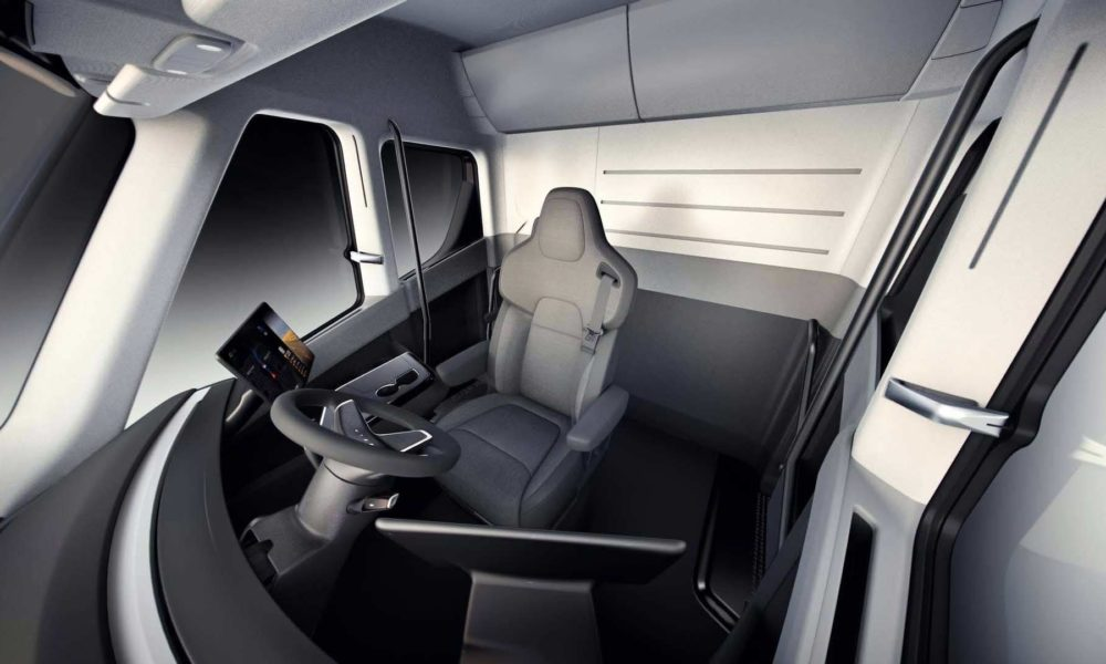 Tesla-Semi-interior_2
