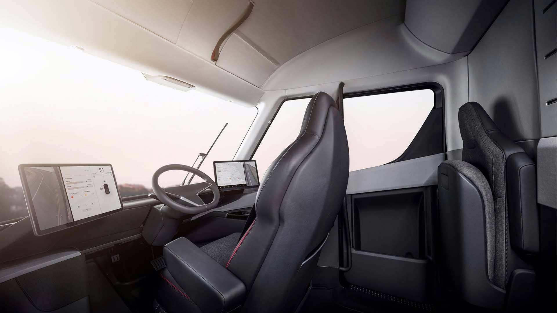 Tesla-Semi-interior_3