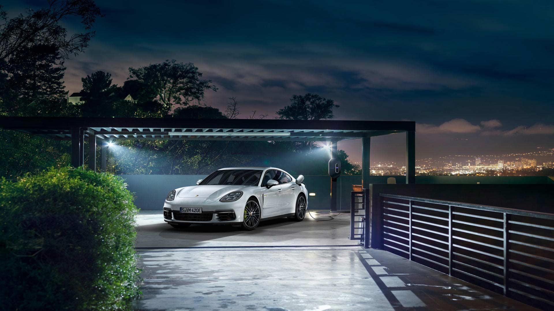 Porsche Panamera Turbo S E Hybrid Range Starts At Rs 2 33 Crore Autodevot
