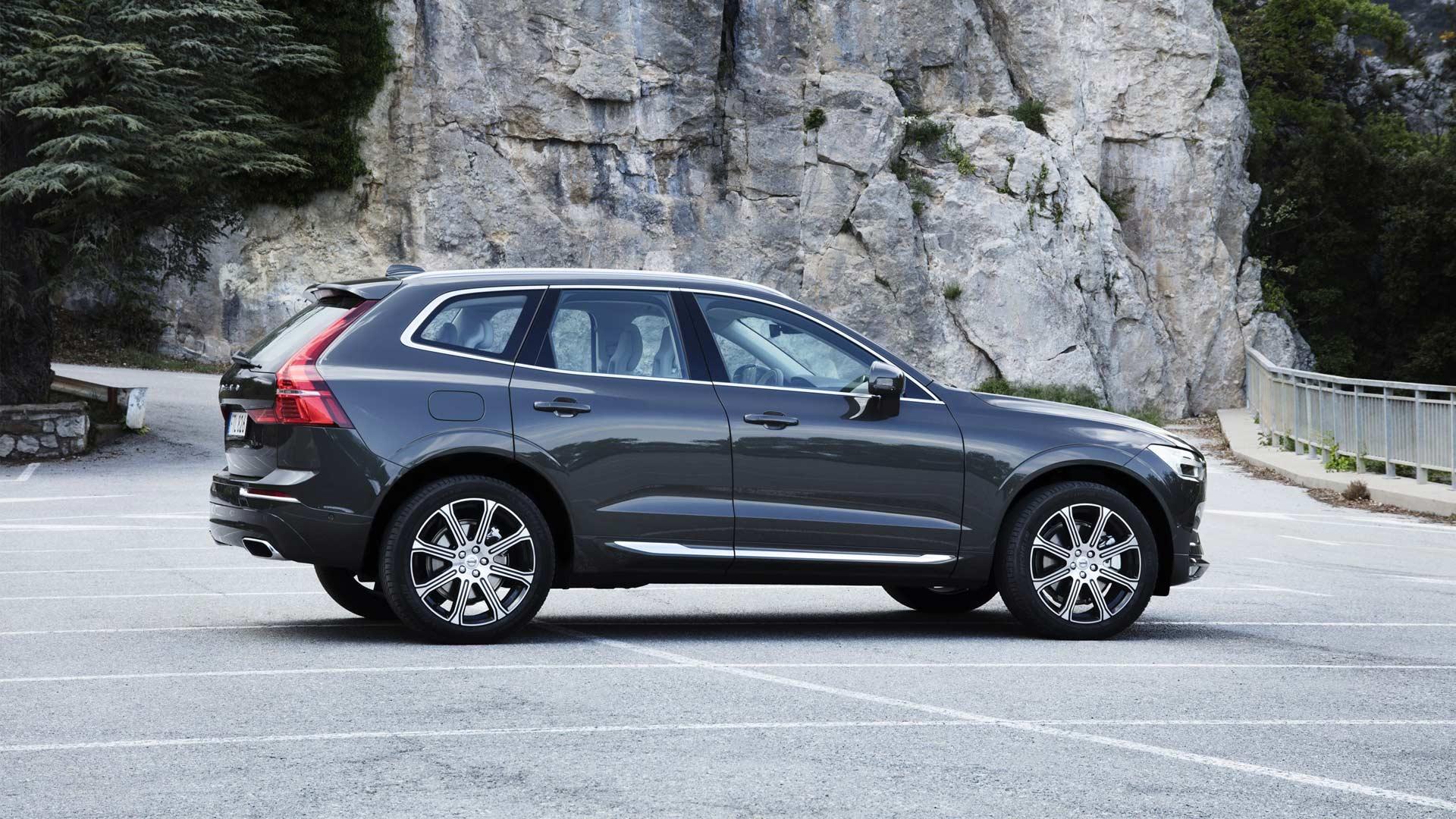 2017-Volvo-XC60_2