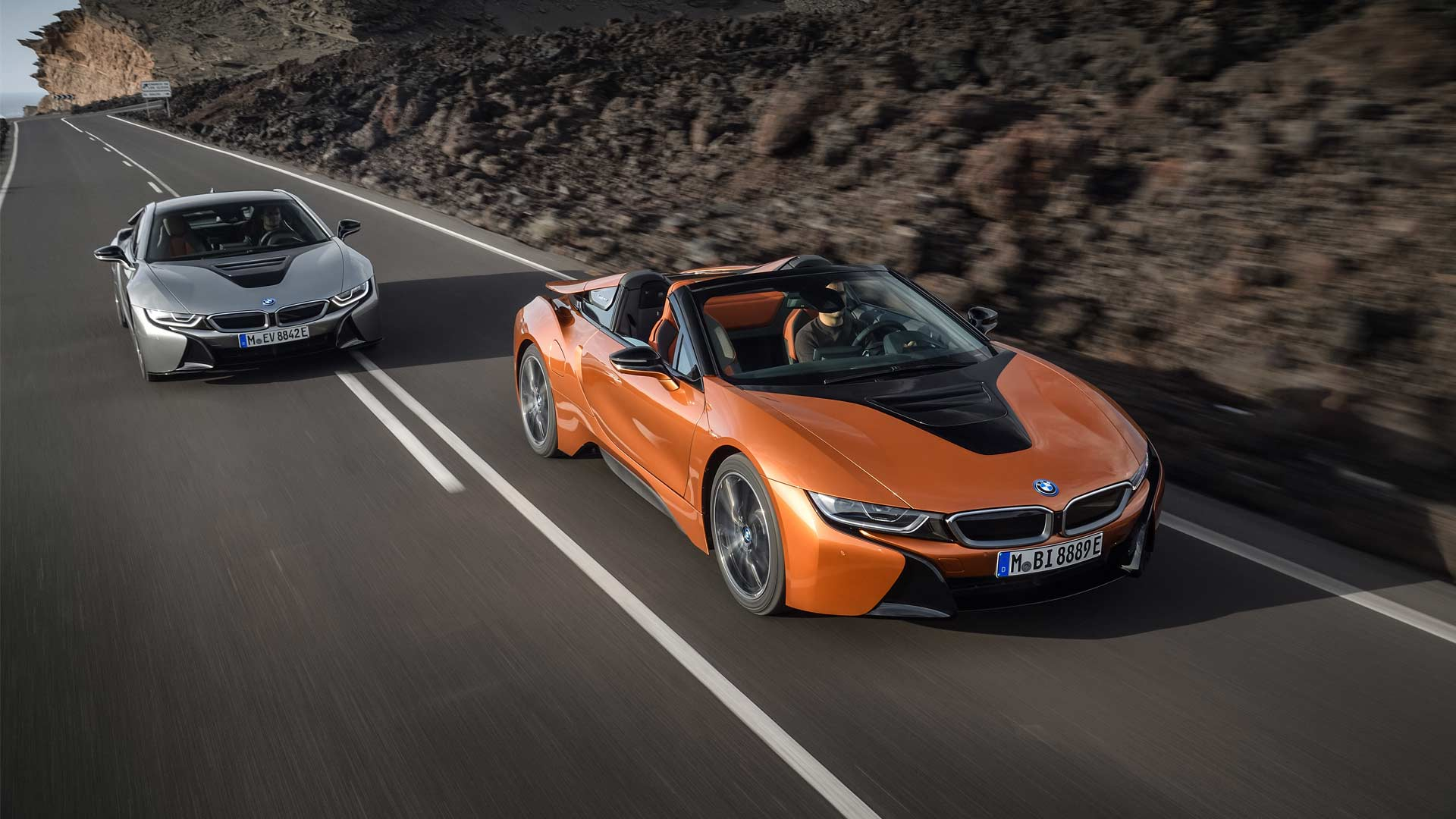 2018 Bmw I8 Roadster Debuts With Updated Coupe Sibling Autodevot