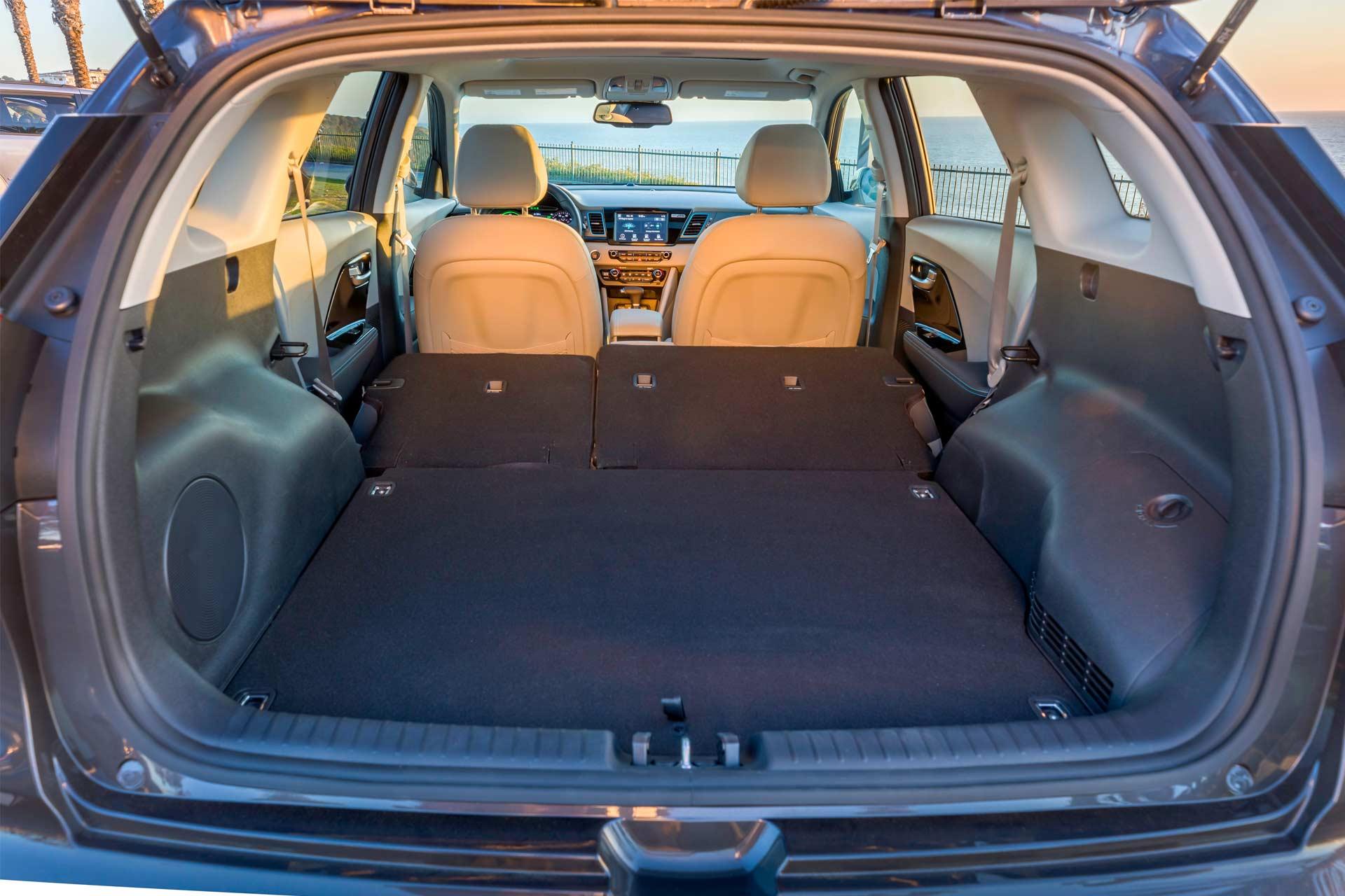 2018-Kia-Niro-Plug-In-Hybrid-interior_3
