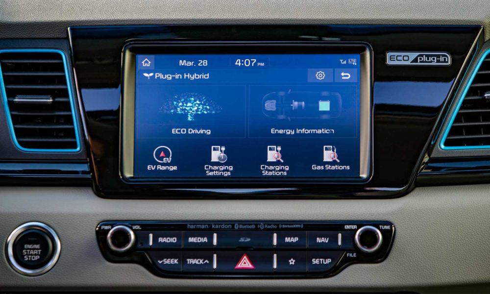 2018-Kia-Niro-Plug-In-Hybrid-interior_4