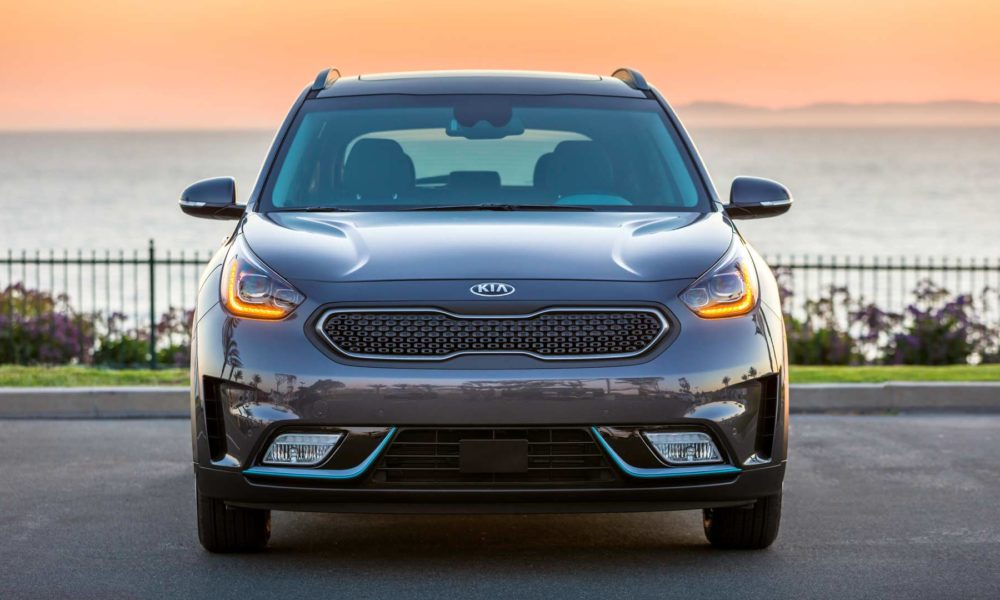 2018 kia niro plug in hybrid boasts 26 miles of all. Black Bedroom Furniture Sets. Home Design Ideas