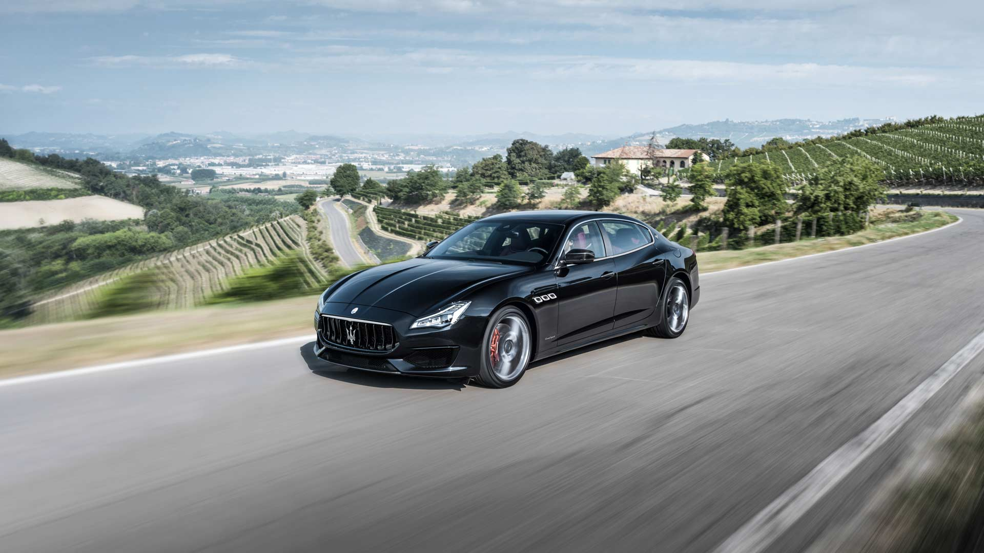 maserati quattroporte gts launched in india at rs 2 7 crore autodevot. Black Bedroom Furniture Sets. Home Design Ideas