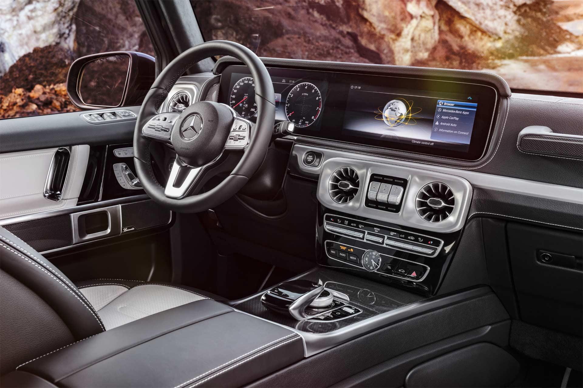 2018-Mercedes-Benz-G-Class-interior_2