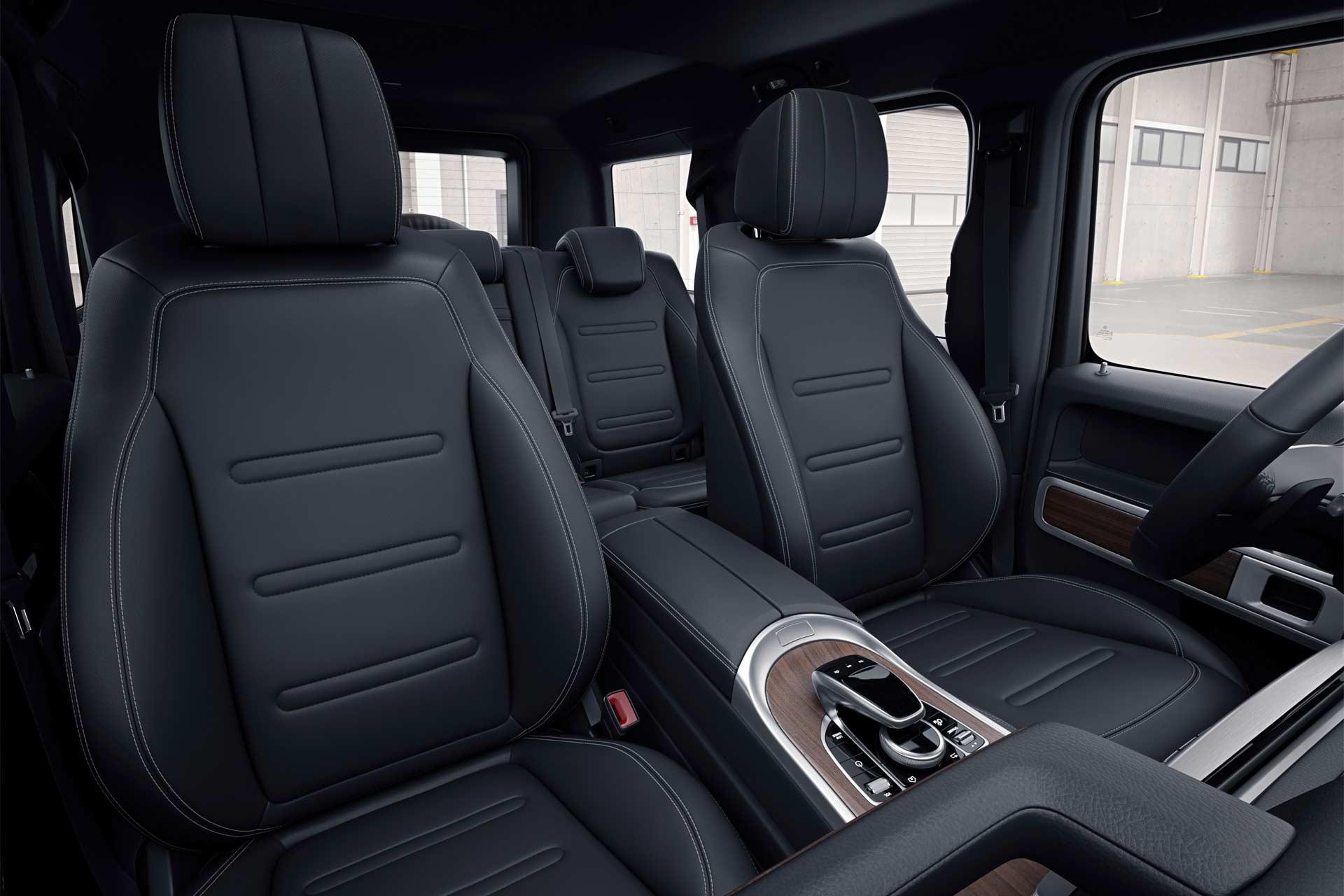 2018-Mercedes-Benz-G-Class-interior_3