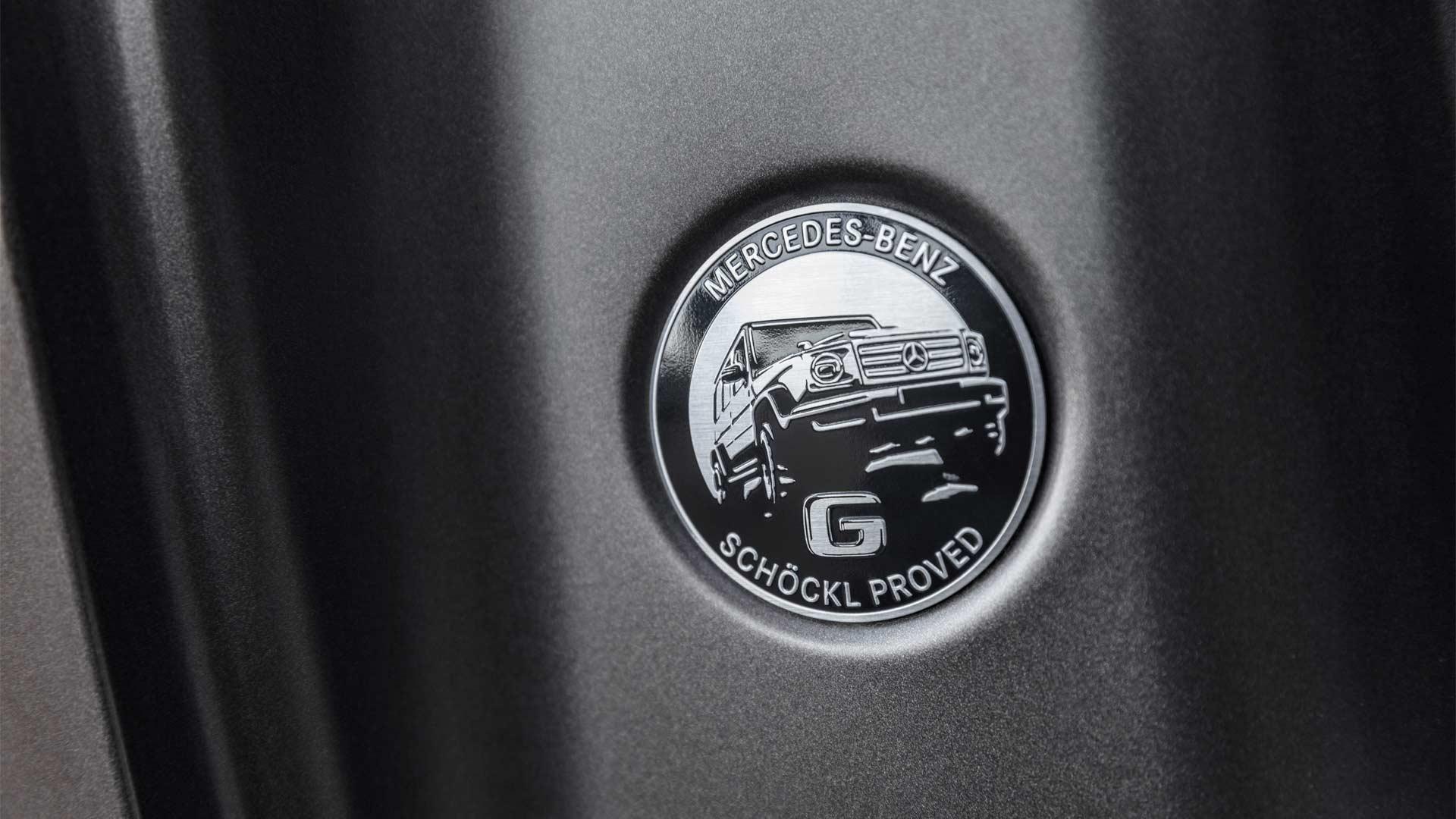 2018-Mercedes-Benz-G-Class-interior_6