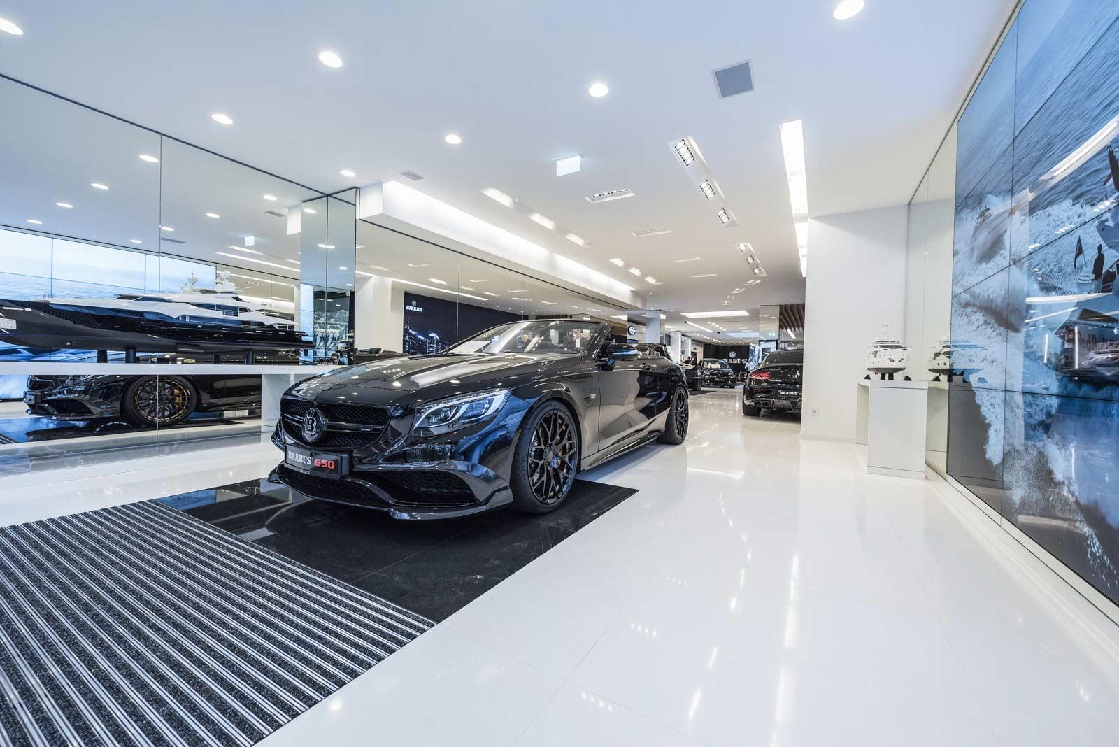 Brabus-Sunseeker-flagship-store-Dusseldorf_12
