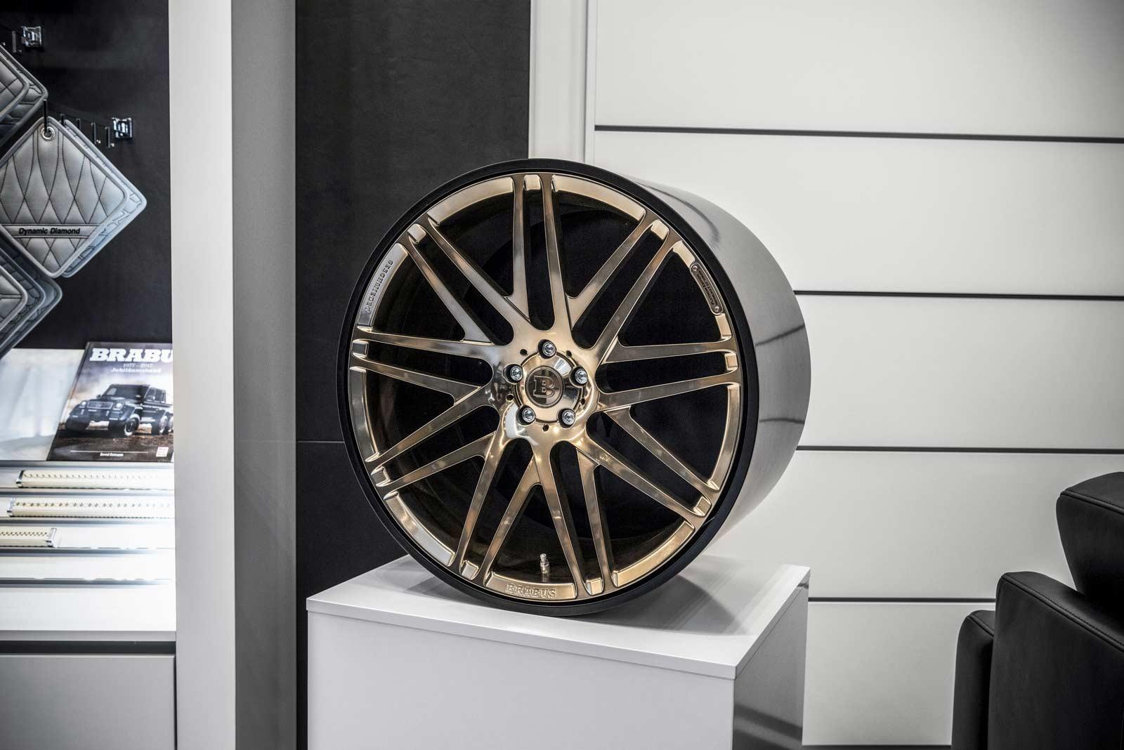 Brabus-Sunseeker-flagship-store-Dusseldorf_20