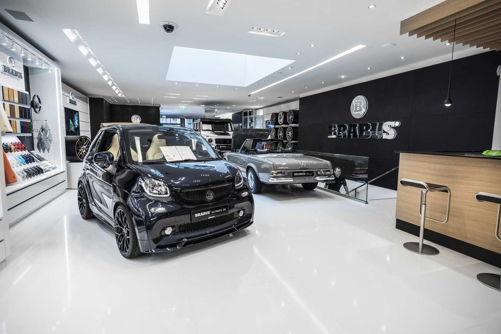Brabus-Sunseeker-flagship-store-Dusseldorf_8