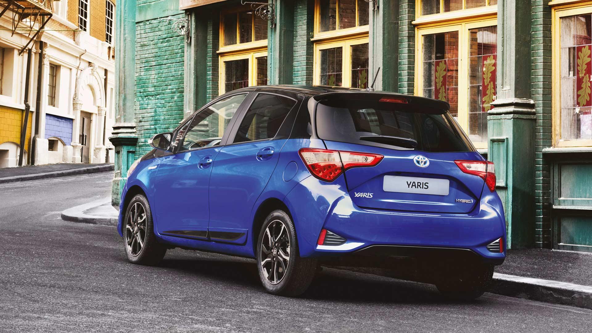 2017-Toyota-Yaris-Hybrid