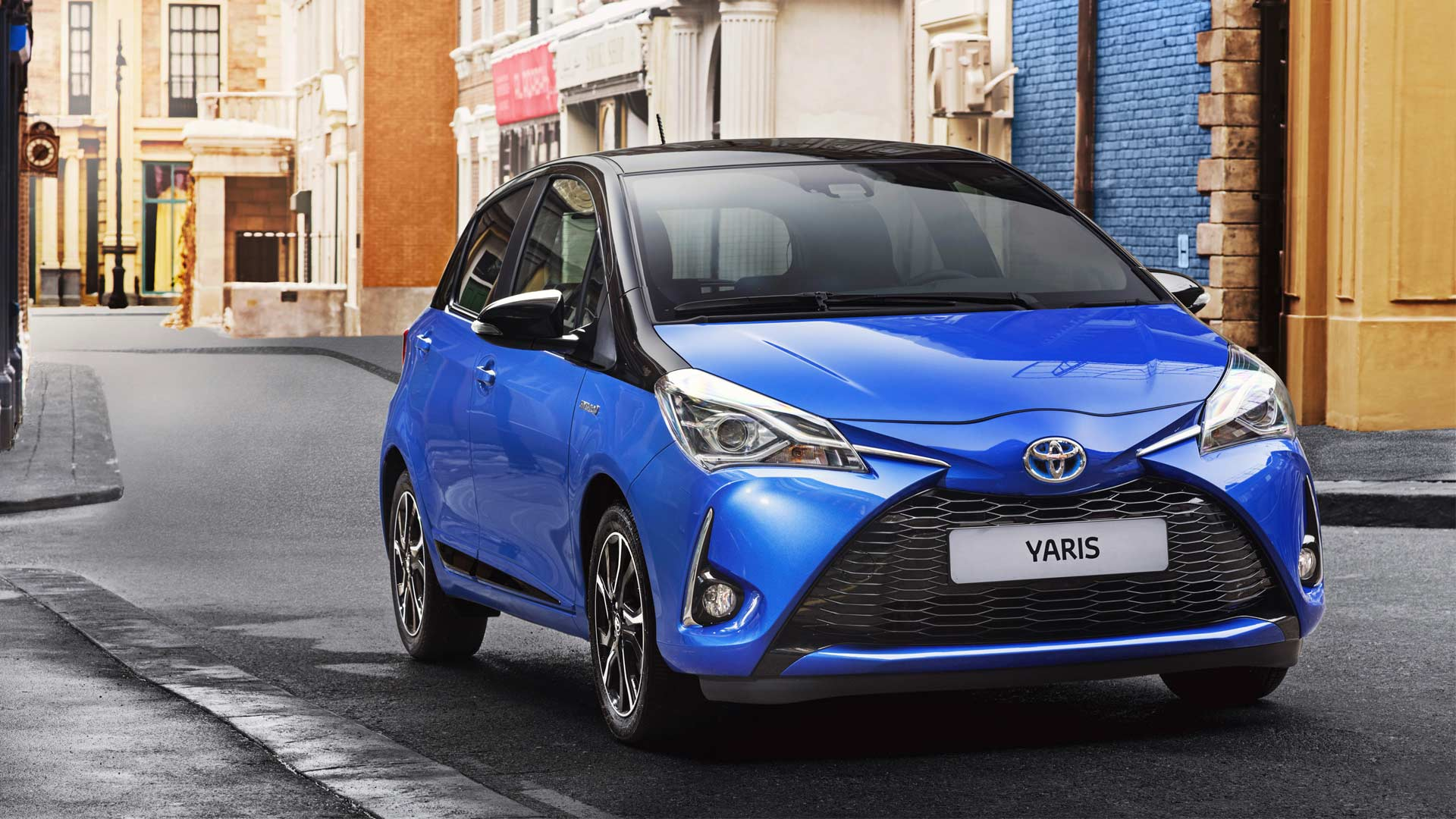 2017-Toyota-Yaris-Hybrid_2
