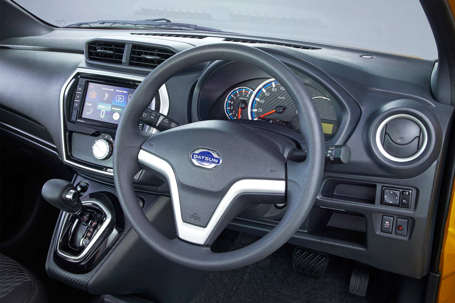 2018-Datsun-Cross-Interior