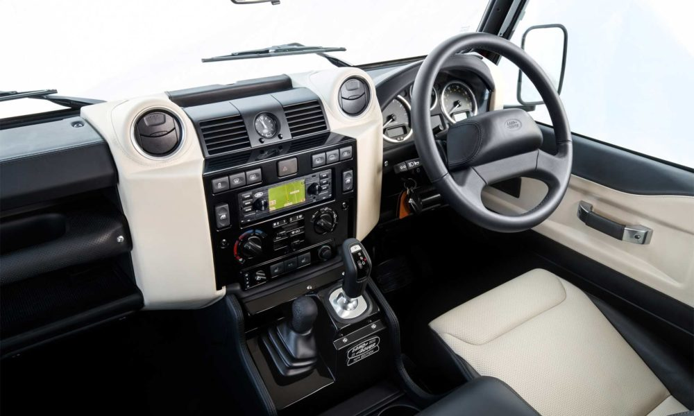 2018-Land-Rover-Defender-V8-interior