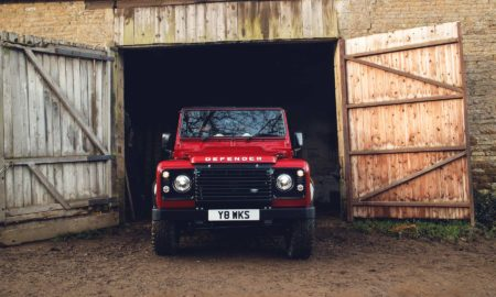 2018-Land-Rover-Defender-V8_4