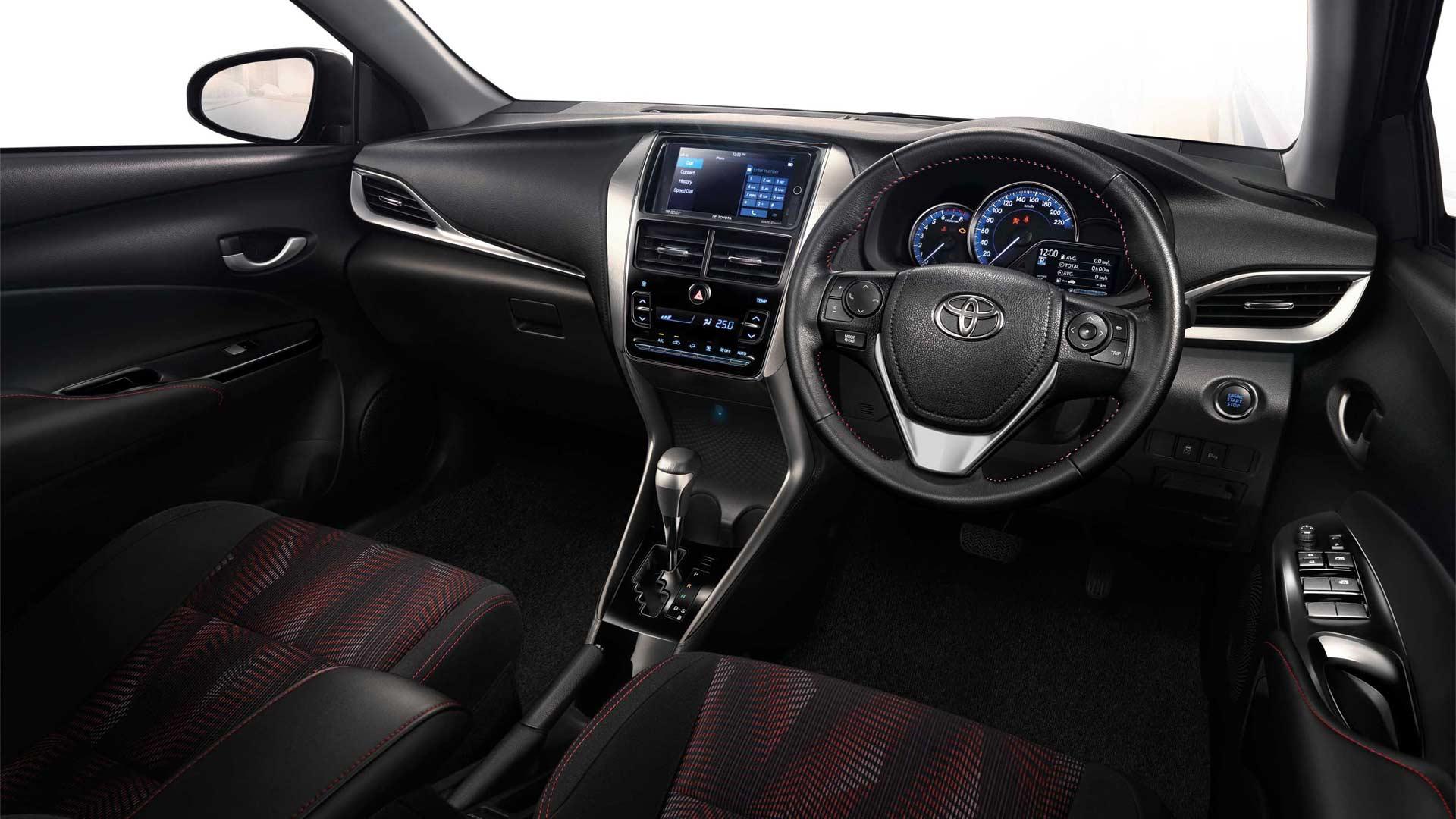 2018-Toyota-Yaris-Ativ-Interior