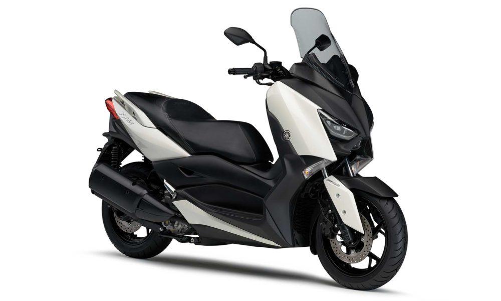 2018-Yamaha-XMAX_6
