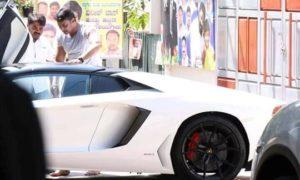 Kannada-Film-Star-Darshan-Lamborghini-Aventador-Roadster