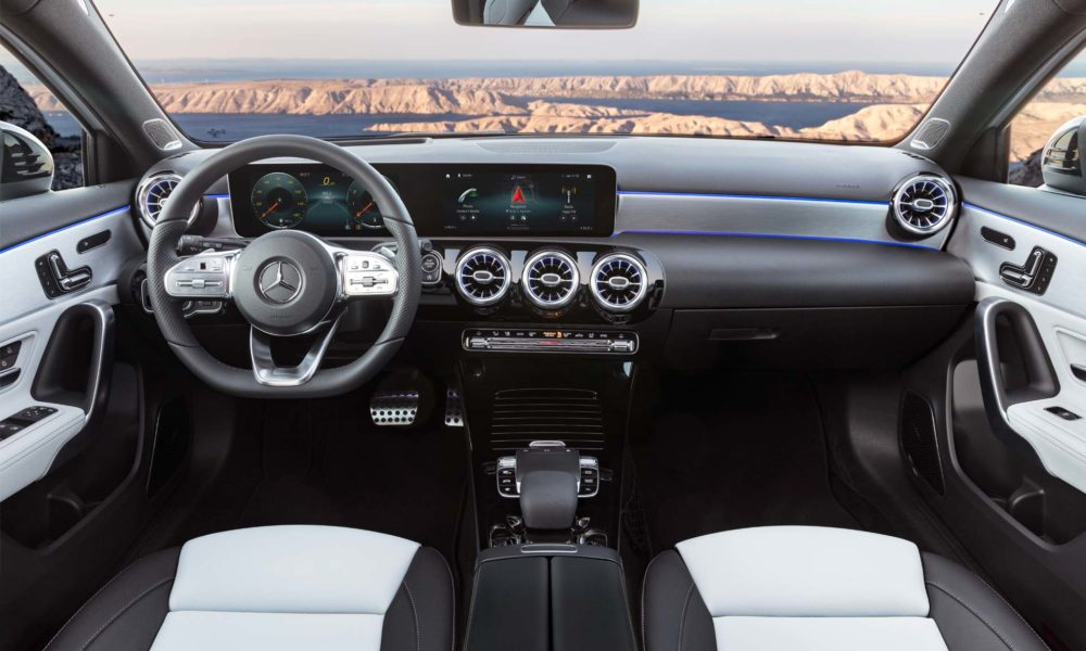 2018 4th generation Mercedes-Benz A-Class Interior_2
