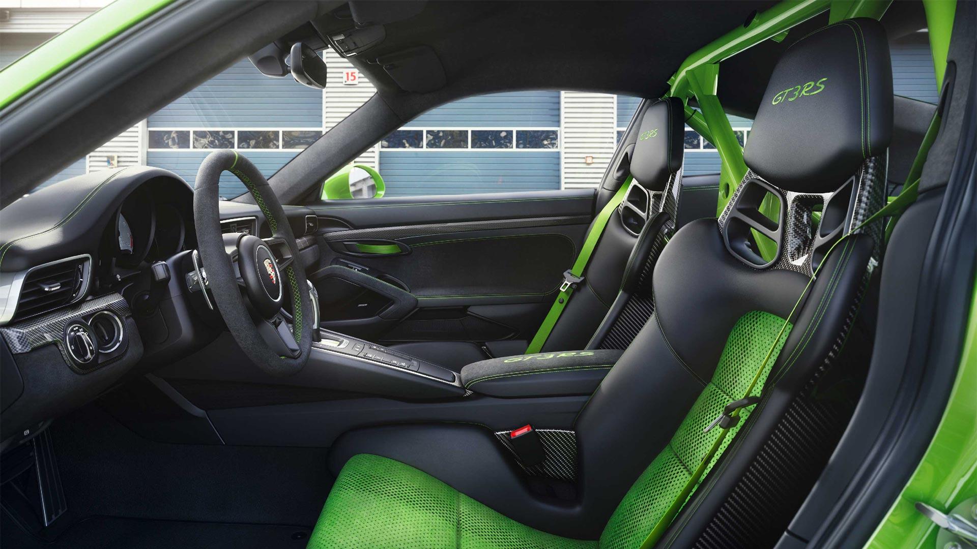 2018-Porsche-911-GT3-RS-interior_2