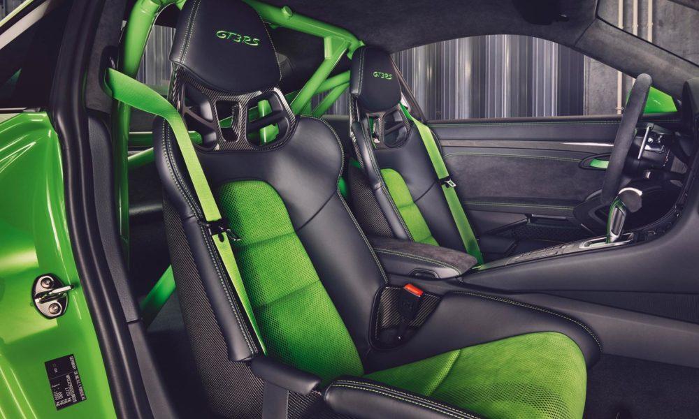 2018-Porsche-911-GT3-RS-interior_3