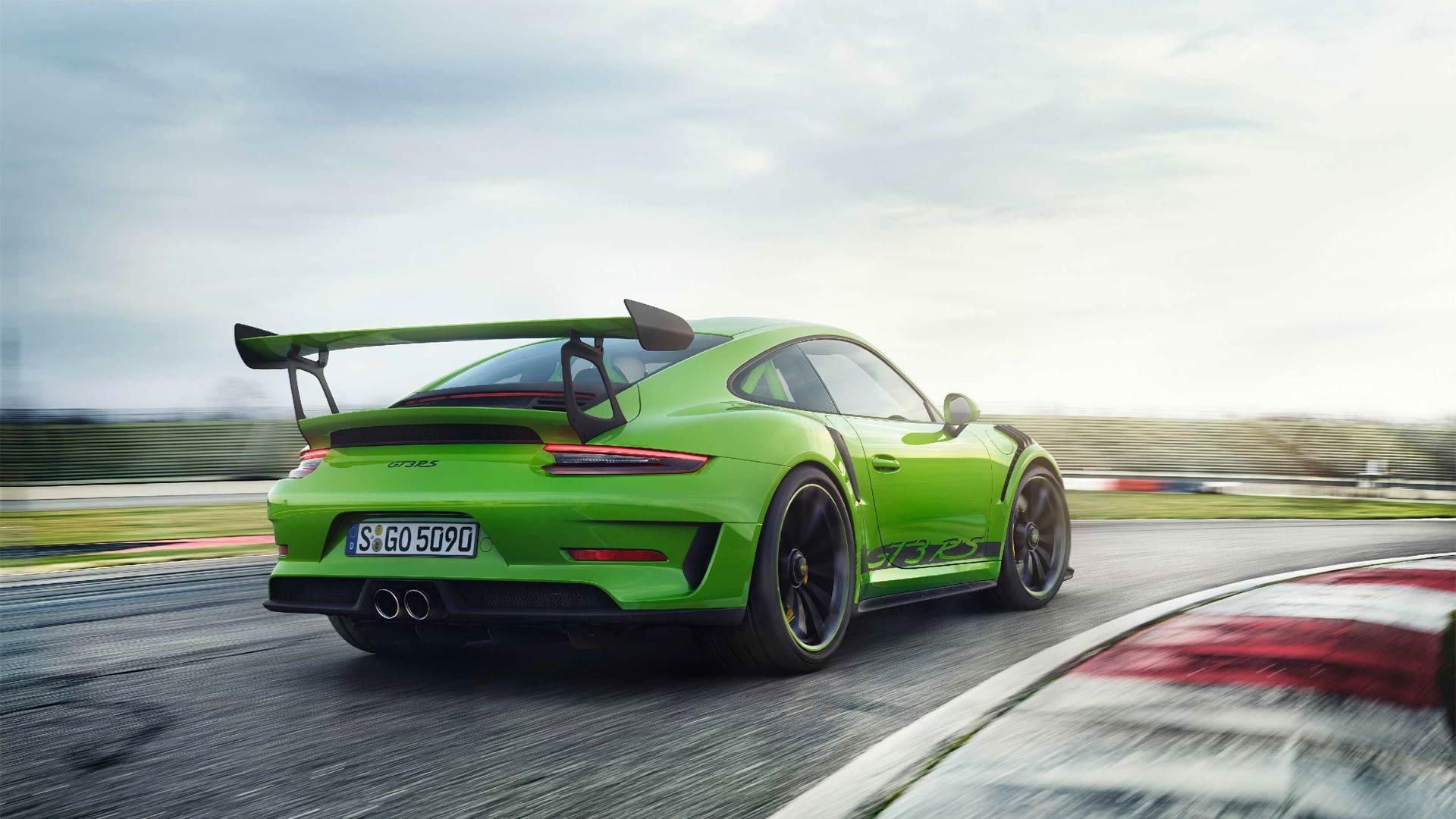 2018-Porsche-911-GT3-RS_7